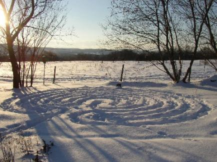 nearing-Solstice-Morningside-labyrinth-434x324